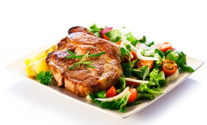 Grilled-Steak-With-Vegetables